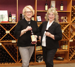Monongahela Valley Hospital Auxiliary Hosts Wine & Dine Fundraiser photo