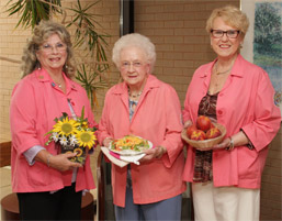 MVH Auxiliary to Hold Peach Festival photo