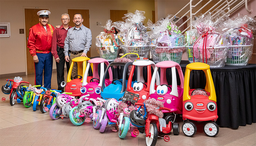 Monongahela Valley Hospital Helps Santa Deliver Toys to the Community photo